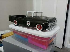 Custom Nylint Ford Speedway Special pickup truck