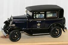 MOTOR CITY CLASSICS 1931 FORD MODEL A TUDOR POLICE CAR 1/18 Diecast