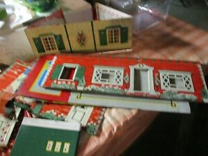 VINTAGE MARX METAL TIN LITHO DOLL HOUSE COLONIAL STYLE DISASSEMBLED 1950'S