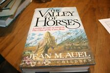 Jean M. Auel    The Valley of the Horses