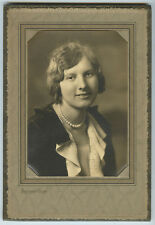 STUDIO PORTRAIT OF LADY W/ PEARLS FROM CANTON, OH, BY HERTZLER, VINTAGE PHOTO