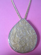 Baroque Teardrop Necklace Brand New Vintage Look Pale Gold Coloured