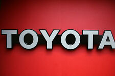Genuine TOYOTA Land Cruiser 70 Front Grille badge logo monogramme 75311-90K00