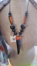 Modeschmuck-Halsketten & -Anhänger aus Holz Designer