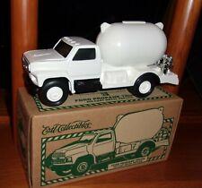 """White Ford F-700 PROPANE Truck ERTL die-cast metal Replica New in Box 1/34 & 8""""L"""