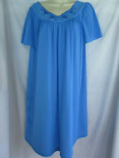 Shadowline Petals Cornflower Blue Floral Embroidery CREAMY Nylon Nightgown L