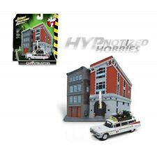JOHNNY LIGHTNING 1:64 GHOSTBUSTERS ECTO-1 WITH FIREHOUSE WHITE JLSP031