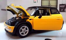 1:24 Scale 2000 BMW Mini Cooper Hatch 1.4 1.6 Yellow Welly Diecast Model Car
