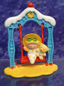 Vintage Strawberry Shortcake Deluxe Mini 1983 Butter Cookie on Swing Complete