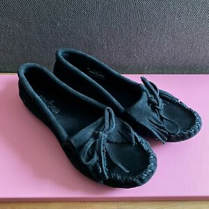 MINNETONKA Kilty Fringed Loafers Black Suede UK 6 US 8.5 Moccasins Free People