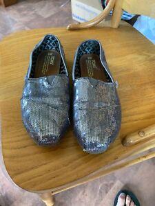 TOMS Women's Silver Sequin Slip On Ballet Flat Shoes Size 8