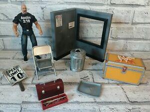 Jakks WWE Deluxe Stone Cold Steve Austin & Accessory Bundle Excellent Condition