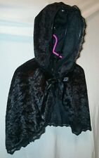 CHILDRENS BLACK HOODED CAPE. AGE 4 - 8.