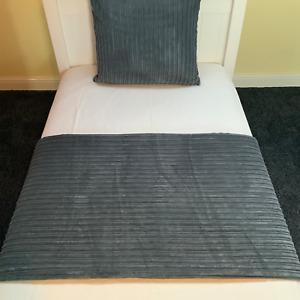 Handmade Jumbo Cord Bed Runner Throw Winter Home Decor Sofa Cover Super Soft