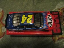 Jeff Gordon #24 1:24 Scale Stock Car DuPont Limited Ed. 2000 Monte Carlo 1 /7.5k