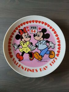Vintage Mickey and Minnie Valentine's Day 1979 Disney Plate by Schmid bc