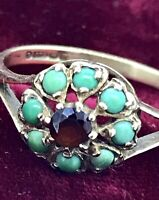 EDWARDIAN GOLD GEMSTONES RING 9CT TURQUOISE SURROUNDING GARNET FORMING A FLOWER