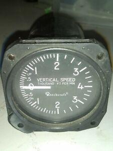 United 0 to 4000 VSI made for Beechcraft P/N 7040