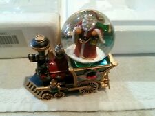 Thomas Kinkade Santa Claus Is Comin To Town Musical Snowglobe Collection Train