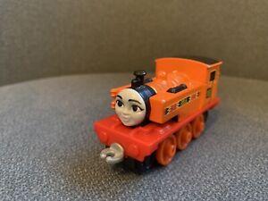 thomas take and play train Nia