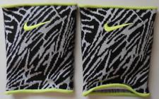 Nike Unisex Essential Camo Graphic Knee Pads 1 Pair Size L Black/White/Volt