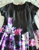 CITY CHIC BLACK & FLORAL SATIN LOOK KNEE LENGTH PLEATED DRESS SIZE XS. VGC