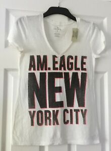 NEW AMERICAN EAGLE OUTFITTERS  T-SHIRT