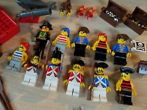 ~~  Vintage Lego Minifig LOT - Pirates Imperial Soldiers Boat Parrot Shark, More