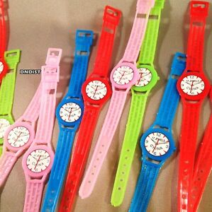 Lot of 64 Toy PLaStiC Wrist Watches colorful party favors carnival prize teacher