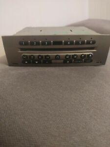 RENAULT MEGANE 2 SCENIC 2  AUTORADIO 6 CD CABASSE .