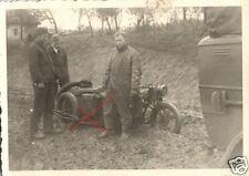 9761/ Originalfoto 7x10cm, Kradmelder+Motorrad, Schlamm Russland