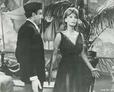 SOPHIA LOREN PETER SELLERS THE MILLIONAIRESS 1960 PHOTO ORIGINAL #117