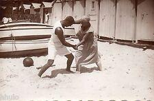 BK693 Carte Photo vintage card RPPC Couple funny bagarre plage lutte bateau
