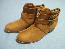 NEW Girls' Maeko Fashion Buckle Boots Booties Chestnut Brown - Art Class Size 6