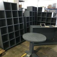 Arredamento negozio: 3 scaffali - 1 tavolo - 1 bancone