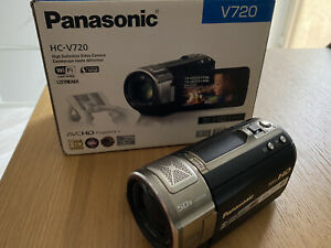 Videocamera Panasonic HC-V720 Full HD WiFi Zoom50X