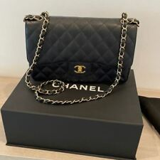 Black CHANEL Caviar Classic Medium