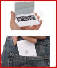 MacBook air Pequeño y original espejo con todos los detalles de tu ordenador