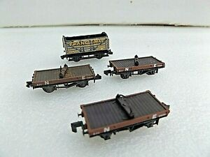 4 ASSORTED WAGONS FOR SPARES / EASY RENOVATION SEE PICS   N GAUGE