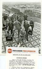 PETER JENNINGS ABC NEWSMEN IN VIETNAM AGONY OF VIETNAM ORIGINAL '67 ABC TV PHOTO