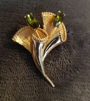 VINTAGE HOLLYWOOD SCOTTISH THISTLE BROOCH Green emerald glass