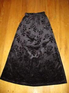 one  step up black stretch roses skirt velvet a line s AU made