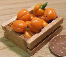 8 Arancione BELL PEPERONI in una cassa in legno Casa Bambole Miniatura Accessorio vegetali
