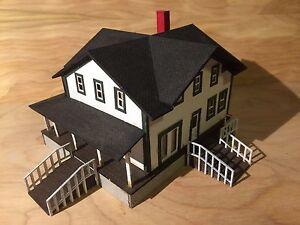 HO Scale Farmhouse Kit