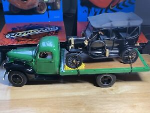 1:16 DIORAMA PROJECT Highway 61 Chevrolet 1941 Flatbed Truck &  Ford Model T