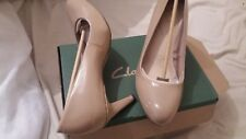New Clarks nude beige sable tribunal des brevets chaussures talons taille 7 D