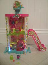 Polly Pocket Designables Mix 'N Match Light Up Mall Escalator Accessories Doll