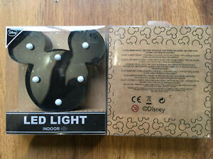 DISNEY MICKEY MOUSE LED LIGHT-NEW IN BOX-CHILDRENS NIGHT LIGHT BATTERIES INCLUDE