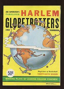 1963 Harlem Globetrotters Basketball Yearbook EX+ With Original Mailing Envelope
