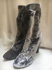 Ladies Womens Boohoo Size 6 Silver Grey Velvet Ankle Zip Vintage Retro Boots
